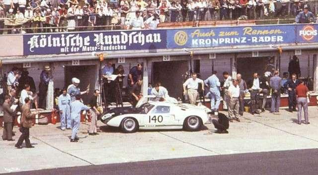 64nur140w P.Hill-Mclaren Ford GT40